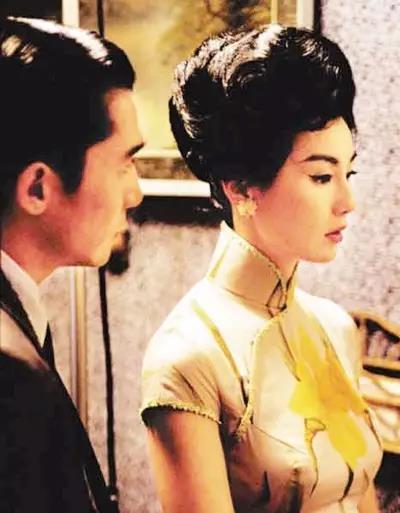 张曼玉的美颈在旗袍凸显下更显东方韵味